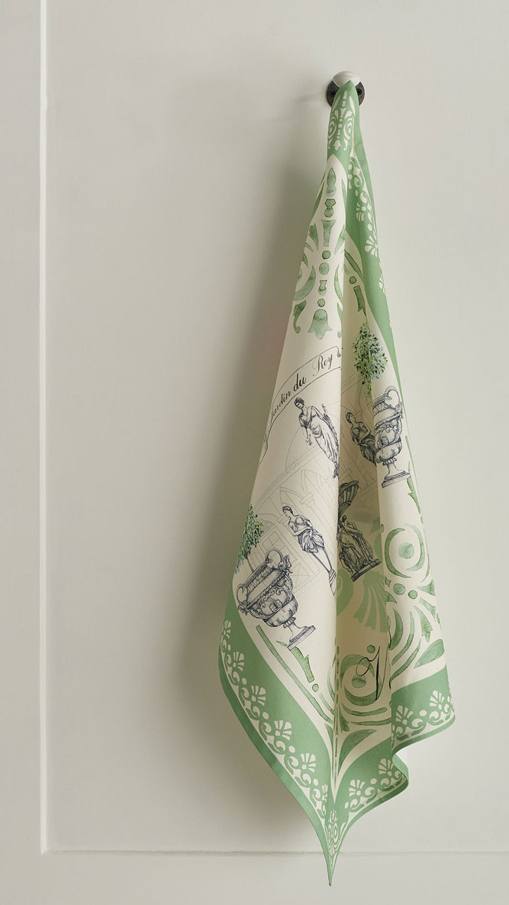 02-Jardin-du-Roy-kitchen-towel