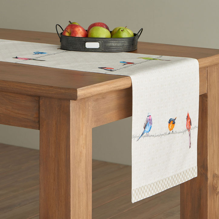 03-Birdies-on-Wire-Table-Runner