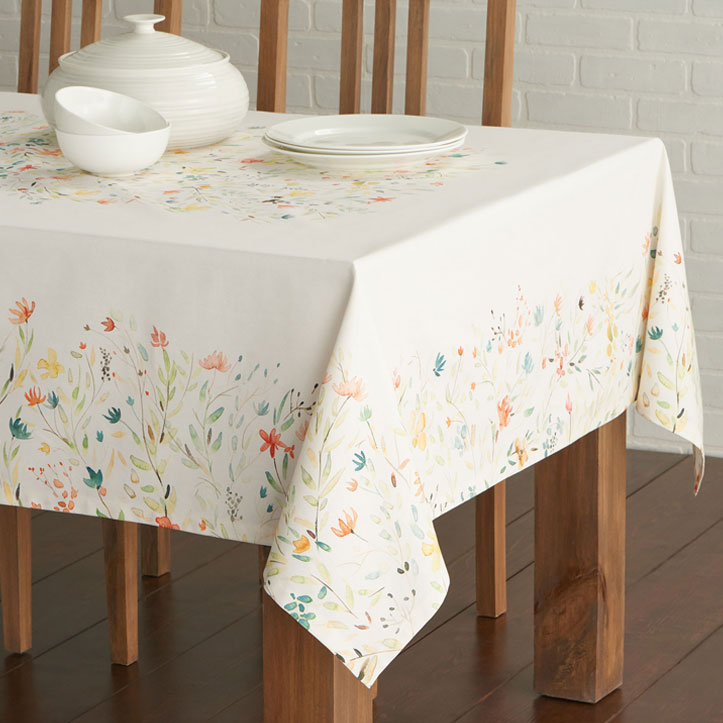 03-Colmar-Tablecloth