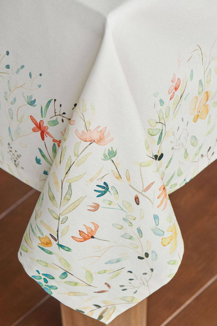 08-Colmar-Tablecloth